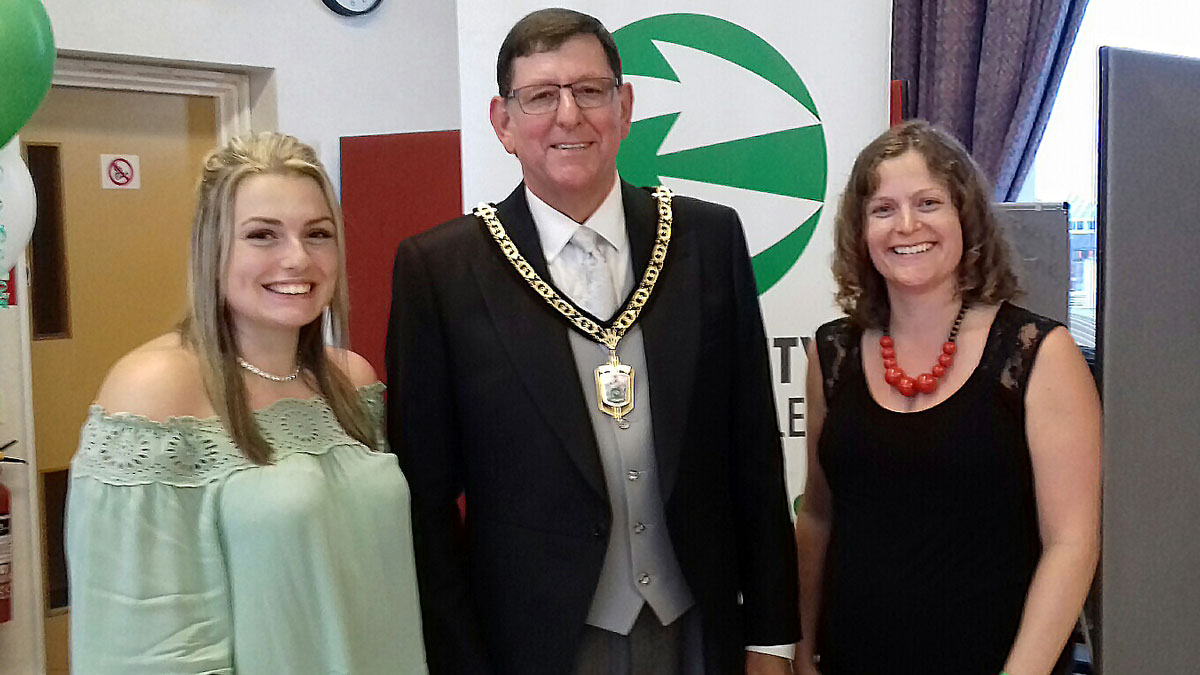 Mindful Mums volunteers, Erica and Steph, with Deputy Mayor of Bromley at the Community Links Bromley Volunteer Awards 2018