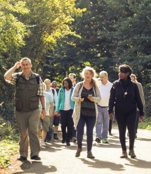 Skupina chodcov z Bromley Recovery College